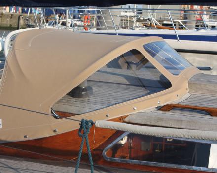 Buiskap blauwe dolfijn Jachthaven Zeebrugge]