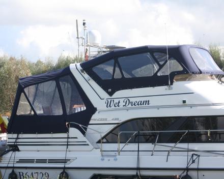 Achterkap en flybridge stuurstand Winning Sails zeilmakerij