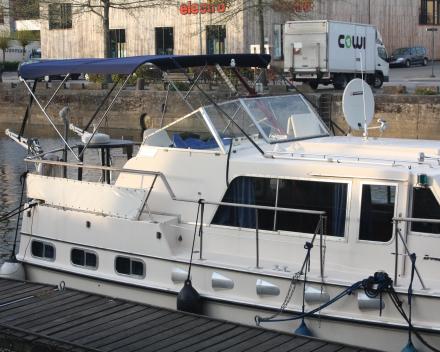 Bimini - plaatsing aan boord Winning Sails zeilmakerij